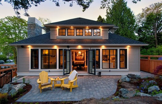 Contemporary Cottage on Beach Avenue